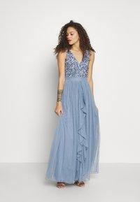 SISTA GLAM PETITE - YASMIN - Společenské šaty - blue - 0