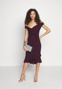SISTA GLAM PETITE - CLELIAH PETITE - Cocktail dress / Party dress - mulberry - 1