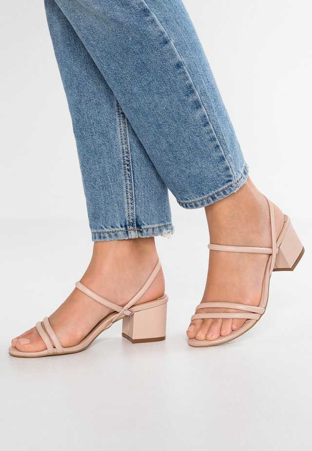 NEWPORT - Sandals - rose quartz