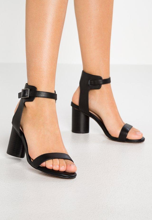 MOORE - Sandaler - black