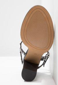 Siren - JAIME - Sandalias de tacón - black - 6