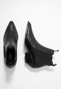 Siren - NARA - Kotníková obuv - black - 3