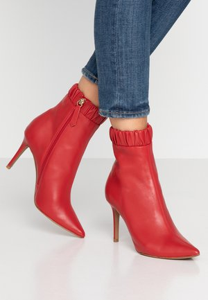 BENJAMIN - High heeled ankle boots - ruby