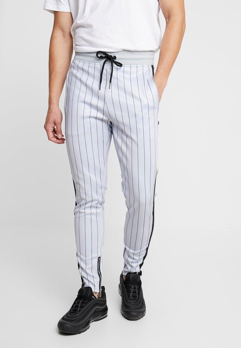 SINNERS ATTIRE - PINSTRIPE - Pantalones deportivos - grey