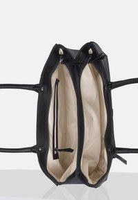 Silvio Tossi - Handbag - black - 5