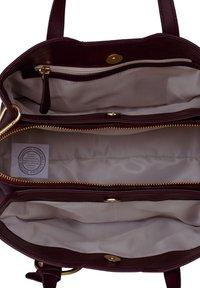 Silvio Tossi - Handbag - plum - 4