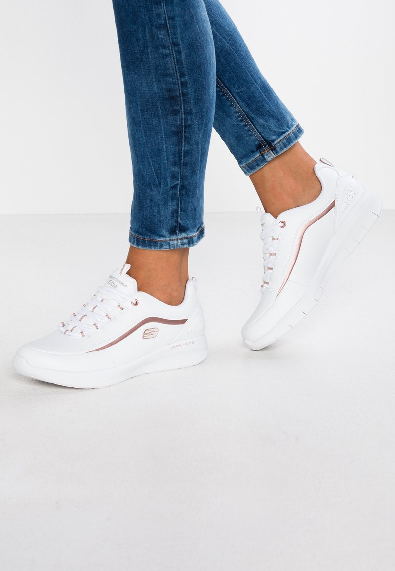 Skechers - SYNERGY 2.0 - HEAVY METAL - Sneakers laag - white/rose gold