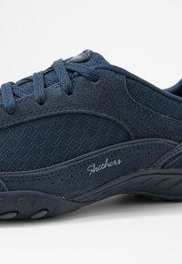 Skechers - BREATHE EASY - Zapatillas - navy/blue - 2