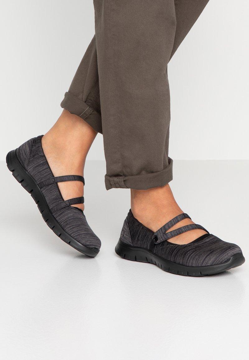Skechers - FLEX RENEW MAKE IT COUNT RELAXED FIT - Ballerinat nilkkaremmillä - black