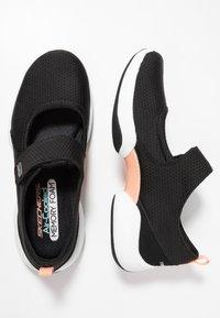 Skechers - LAB CHIC INTUITION - Ballerinasko m/ rem - black/white - 3