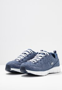 Skechers - SYNERGY STELLBOUND - Sneaker low - navy - 4