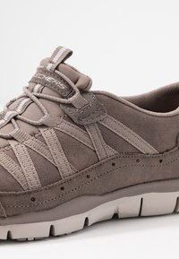 Skechers - GRATIS - Loafers - dark taupe/taupe - 2