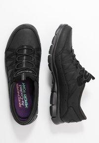 Skechers - GRATIS - Nazouvací boty - black - 3