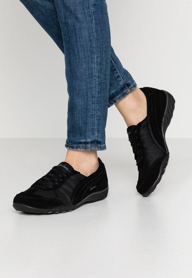 BREATHE-EASY - Sneaker low - black