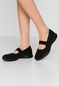 Skechers - SEAGER - Ankle strap ballet pumps - black - 0