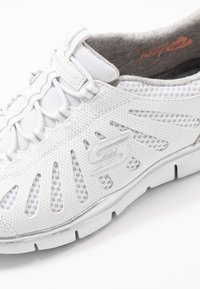 Skechers - Slip-ons - white/light gray - 2