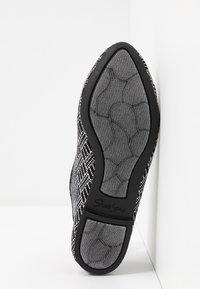 Skechers - CLEO - Ballet pumps - black/white - 6