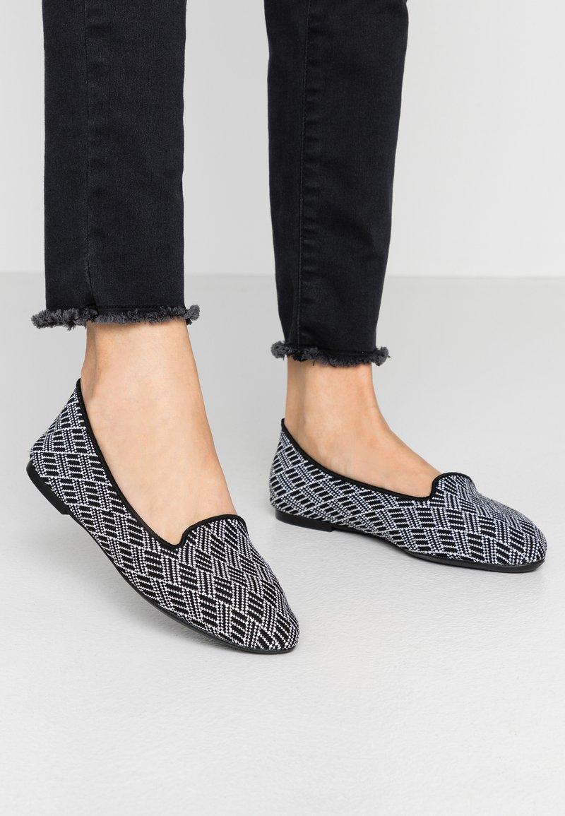 Skechers - CLEO - Ballet pumps - black/white