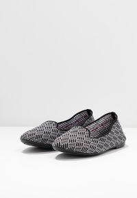 Skechers - CLEO - Ballet pumps - black/white - 4