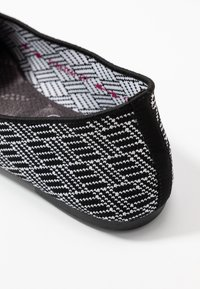 Skechers - CLEO - Ballet pumps - black/white - 2