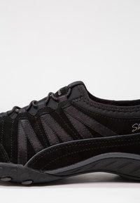 Skechers - BREATH EASY - Slipper - black - 6