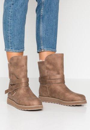 KEEPSAKES 2.0 - Støvler - taupe