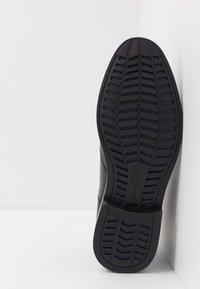 Skechers - BREGMAN - Classic ankle boots - black - 4