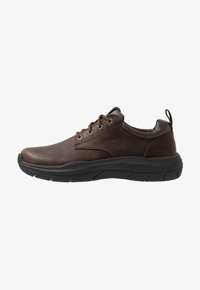 EXPECTED - Casual lace-ups - brown