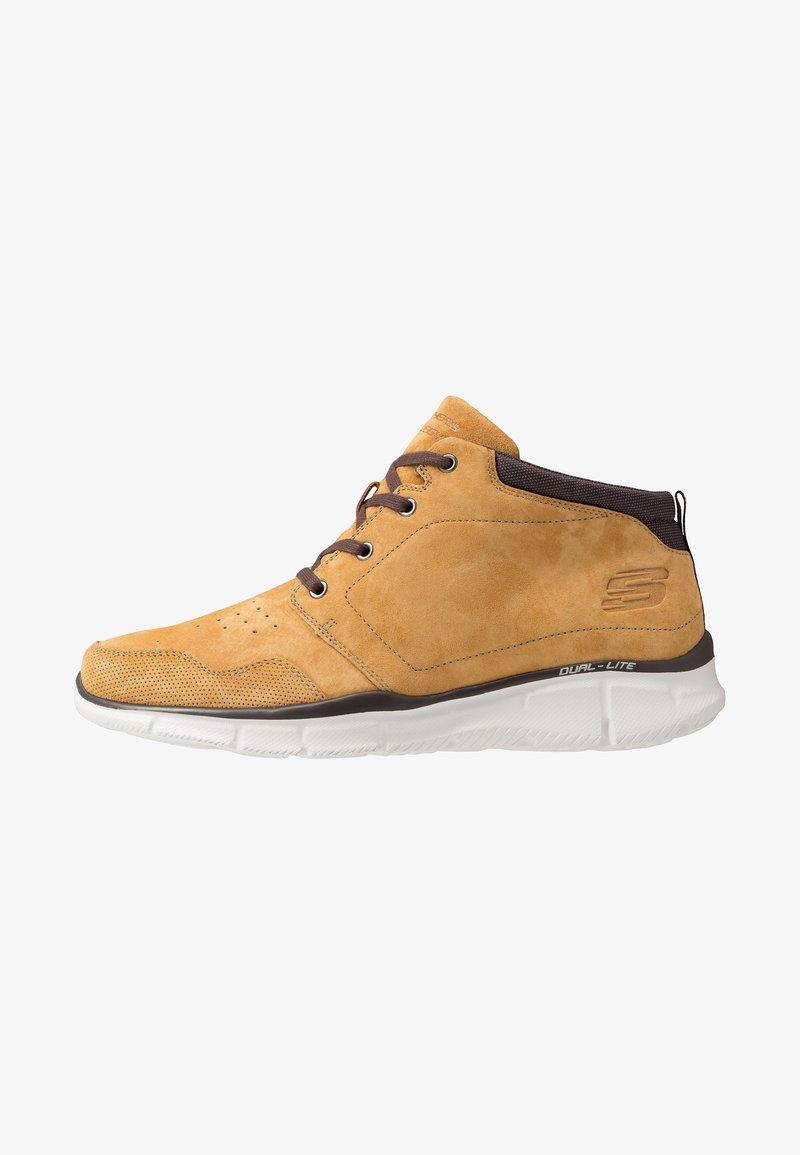 Skechers - EQUALIZER - Sneakersy wysokie - wheat/brown