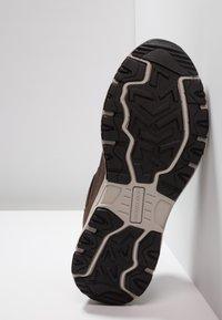 Skechers - OAK CANYON - Sneaker low - chocolate/black - 4