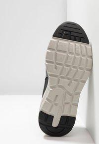 Skechers - VERRADO RELAXED FIT - Sneaker low - gray/olive - 4