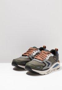 Skechers - VERRADO RELAXED FIT - Sneaker low - gray/olive - 2