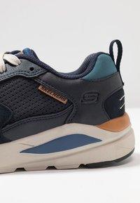 Skechers - VERRADO RELAXED FIT - Sneaker low - navy - 5