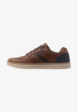 HESTON - Sneakersy niskie - dark brown