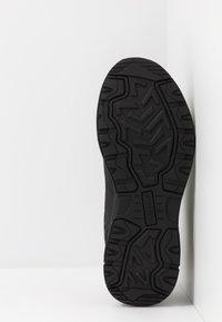Skechers - OAK CANYON - Sneakersy niskie - black - 4