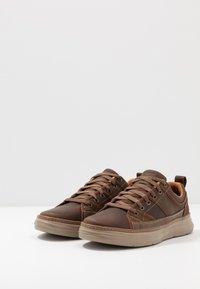 Skechers - MORENO - Sneaker low - dark brown - 2