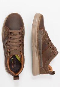 Skechers - MORENO - Sneaker low - dark brown - 1