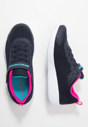 GO RUN - Sneaker low - navy/hot pink
