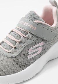 Skechers - DYNAMIGHT 2.0 - Sneaker low - light gray/pink - 2