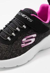 Skechers - DYNAMIGHT 2.0 - Tenisky - black/hot pink - 2