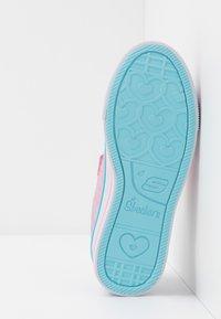 Skechers - TWINKLE LITE - Tenisky - pink/multicolor/silver - 4