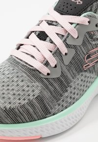 Skechers - SOLAR FUSE - Sneaker low - gray/black/ pink/mint - 2