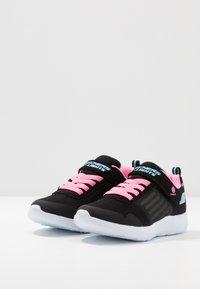 Skechers - DYNA LIGHTS - Zapatillas - black/pink/aqua - 2