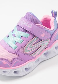 Skechers - HEART LIGHTS - Tenisky - lavender durasatin/multicolor sparkle - 5