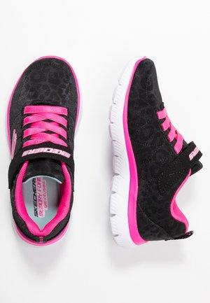 SUMMITS - Matalavartiset tennarit - black sparkle/neon pink