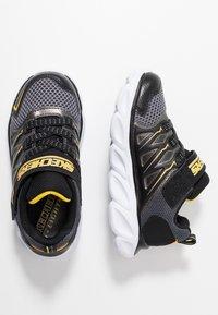 Skechers - HYPNO-FLASH 3.0 - Tenisky - black/yellow - 1