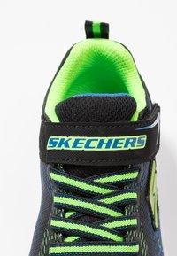 Skechers - ERUPTERS III - Tenisky - black/blue/lime - 5