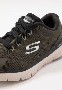 Skechers - FLEX ADVANTAGE 3.0 - Tenisky - olive/white - 2
