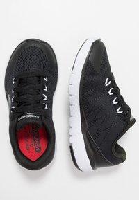 Skechers - FLEX ADVANTAGE 3.0 - Tenisky - black/white - 0