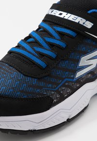 Skechers - THERMOFLUX 2.0 - Tenisky - black/royal/silver